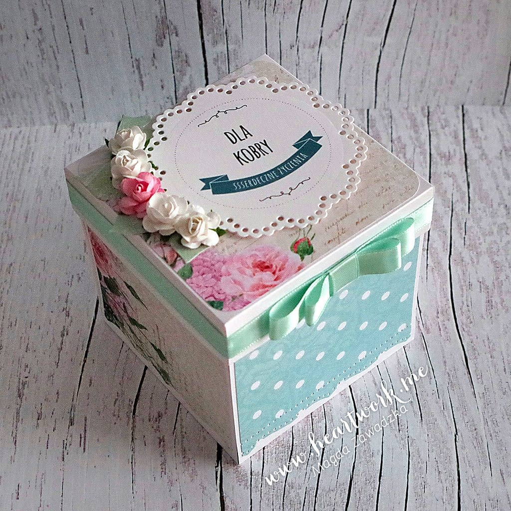 Exploding box urodzinowy. Miętowy box na urodziny