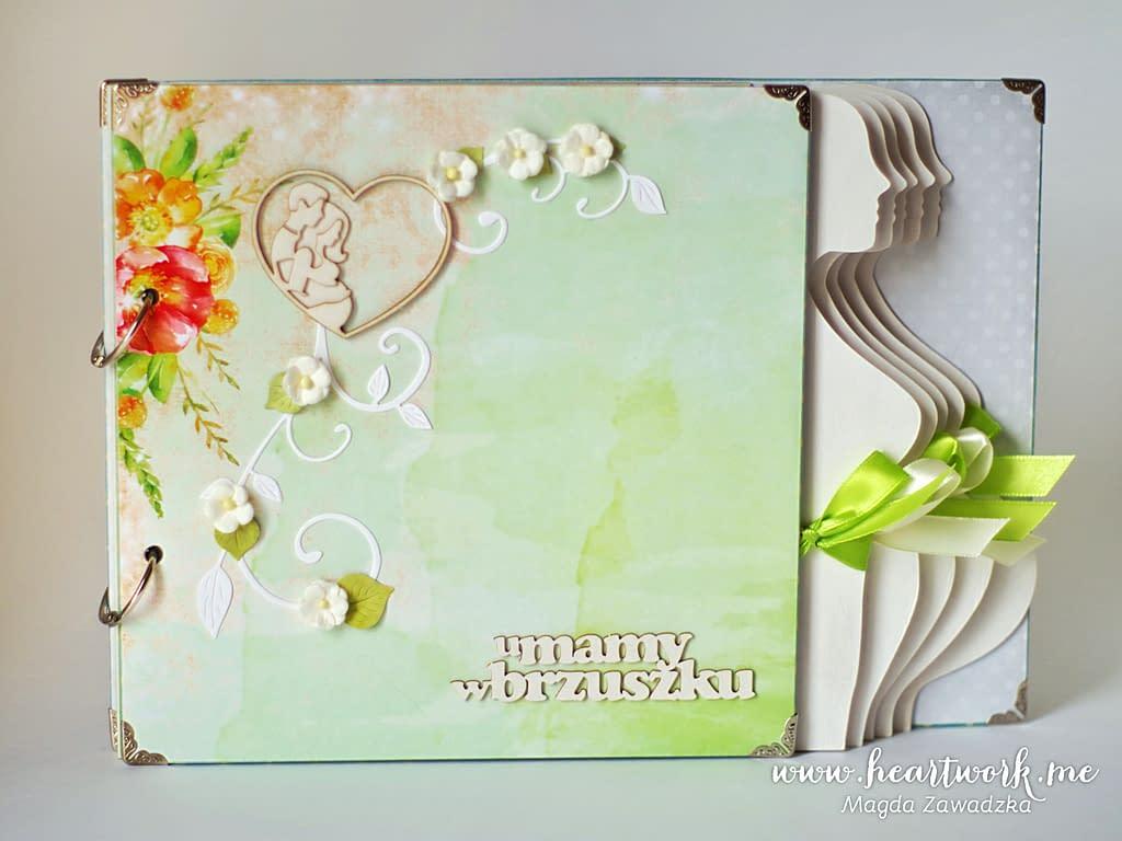 Zielony album ciążowy. Ręcznie robione albumy to pomysł na prezent dla przyszłej mamy.