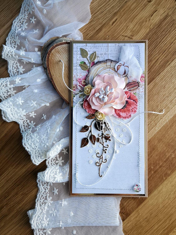 Ręcznie robione kartki urodzinowe. Pastelowa kartka z ręcznie robionymi kwiatami z foamiranu.