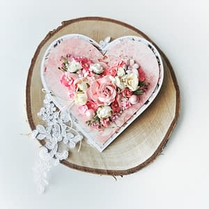 Różowa kartka w kształcie serca. Oryginalna kartka ślubna, rocznicowa. Ręcznie robione kartki okolicznościowe Wrocław.