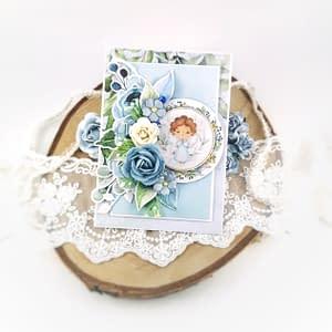 Ręcznie robiona kartka na chrzest chłopca. Kartka w prezencie z okazji chrztu świętego. Błękitna kartka z aniołkiem dla dziecka.