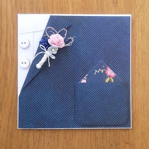 Kartka w kształcie garnituru z butonierką