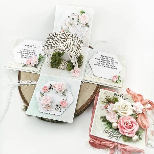 Ślubny exploding box w kolorze różowym i miętowym.