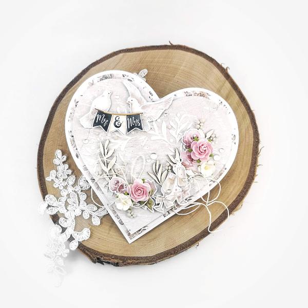 Ręcznie wykonana kartka ślubna w kształcie serca. Kartka serce na ślub.