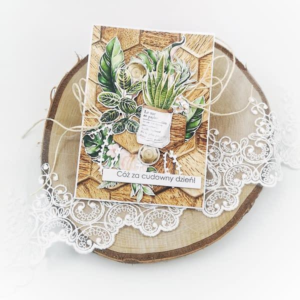 Jeśli podczas lockdownu mieszkanie Twoich znajomych zmieniło się w dżunglę - oto idealna kartka! Ręcznie robiona kartka dla miłośnika roślin to wspaniały dodatek do prezentu urodzinowego.