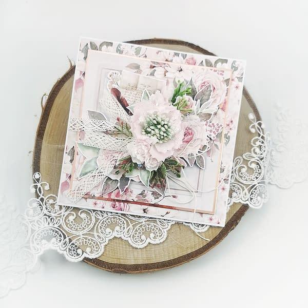 Oryginalna, ręcznie robiona kartka okolicznościowa. Kartka z własnoręcznie zrobionym kwiatem z foamiranu. Romantyczna kartka urodzinowa, imieninowa, ślubna. Kartki dostępne od ręki i na zamówienie. Odbiór osobisty we Wrocławiu lub wysyłka paczkomatem.