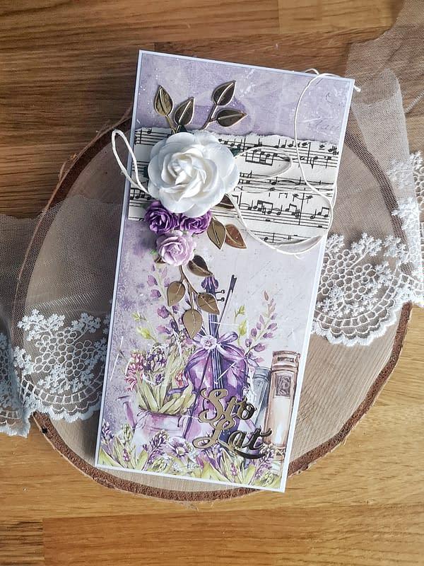 Fioletowa kartka urodzinowa ze skrzypcami