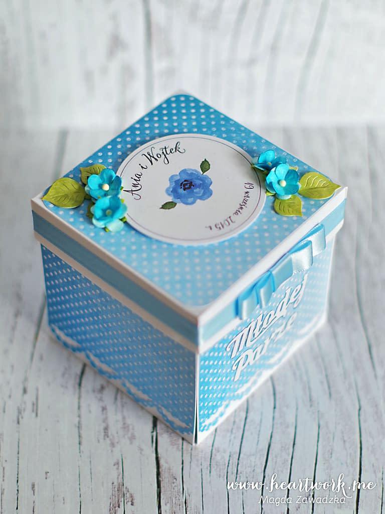 Niebieski box ślubny. Prezent dla nowożeńców.